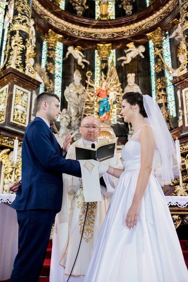 Reportaż, sesja plenerowa - ślub Agnieszki i Marcina, Świdnica;Marcin_047
